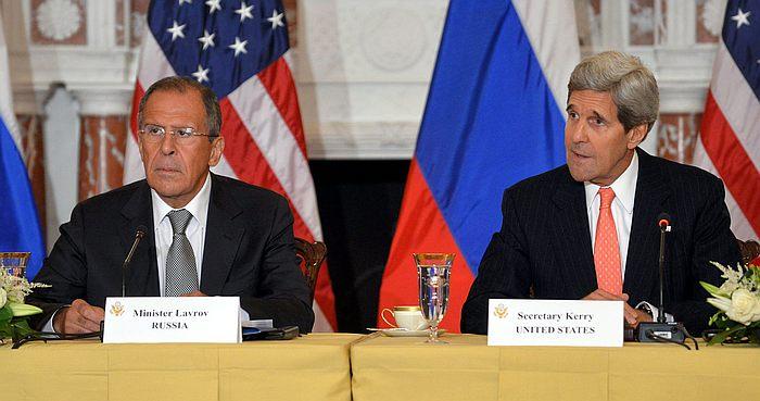 Venäjän ulkoministeri Sergei Lavrov ja Yhdysvaltain ulkoministeri John Kerry. Kuva: Wikimedia commons.