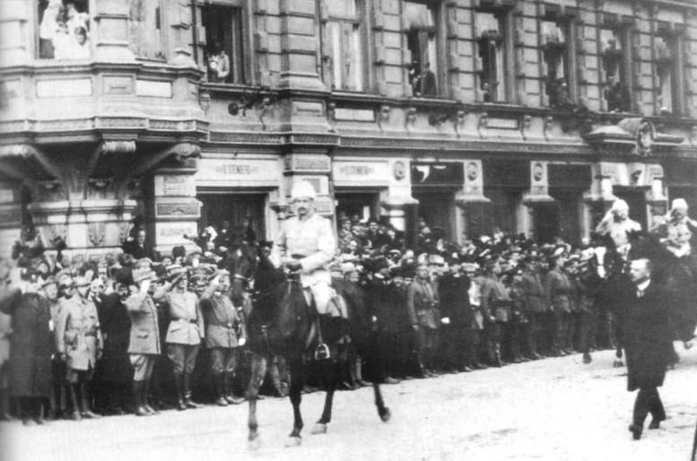 Valkoisten voitonparaati 16. toukokuuta 1918
