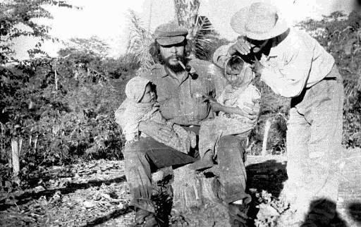Che Boliviassa 1967 vähän ennen kuolemaansa.